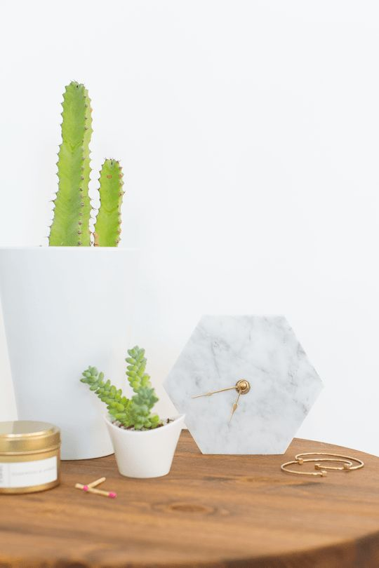 Mini hexagon marble clock