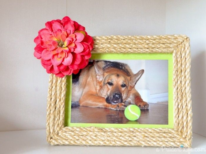 Rope decorated photo frame