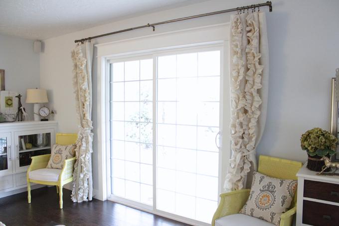 Ruffed burlap curtain