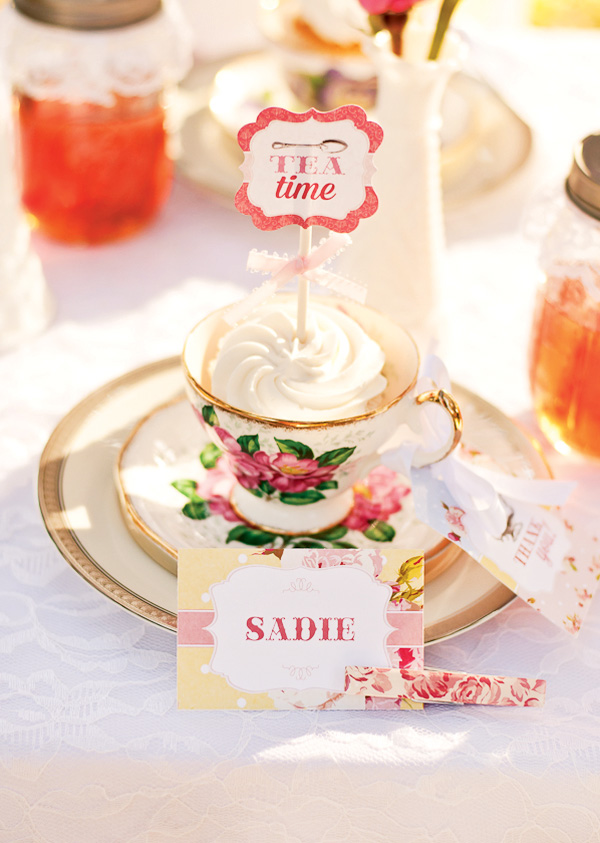Tea time place setting