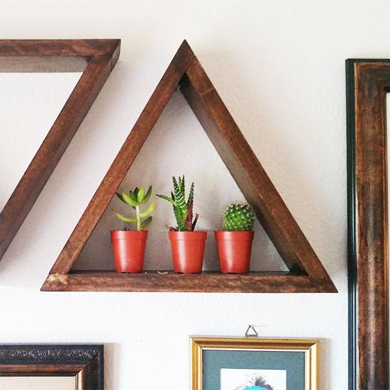 Triangle shelves diy