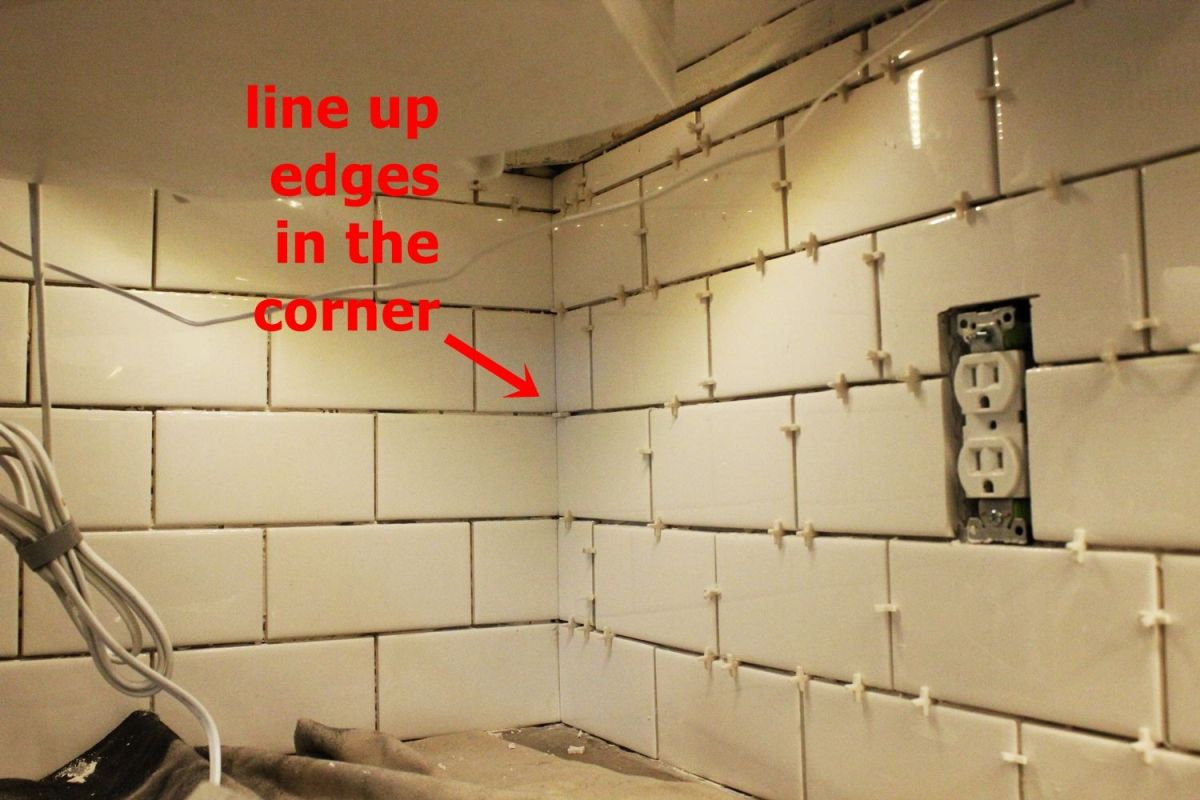 How to install a subway tile kitchen backsplash for Tiling a backsplash inside corner