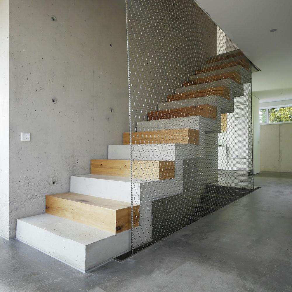 Wilhermsdorf Residence concrete staircase