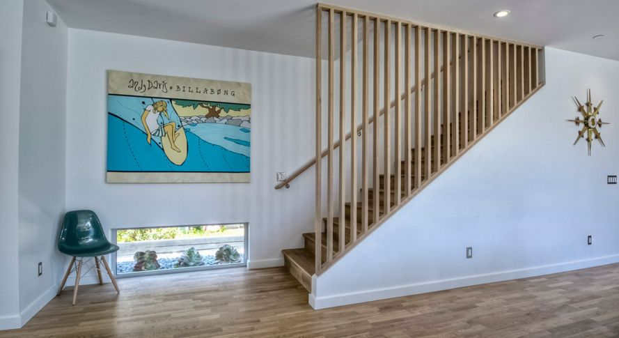 Wood staircase divider