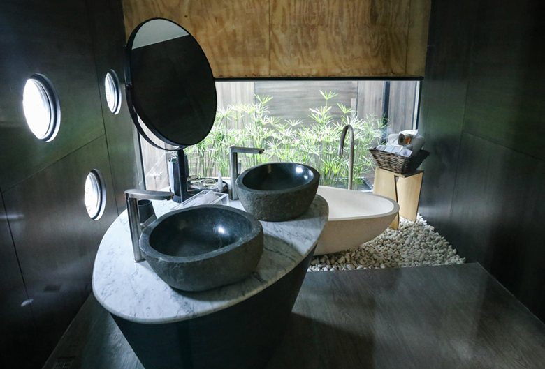 X-Float unit zen bathroom
