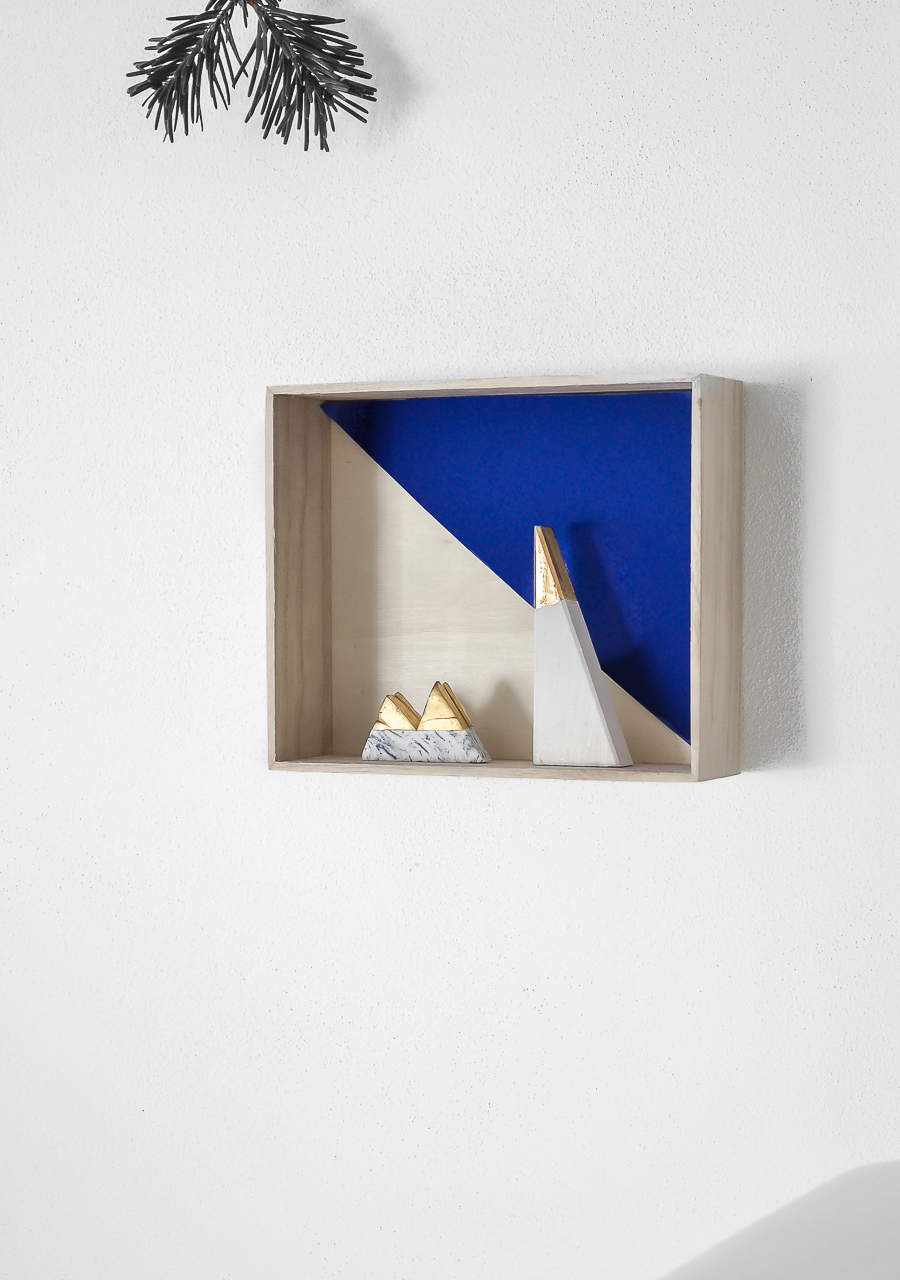 blue wooden shelf_