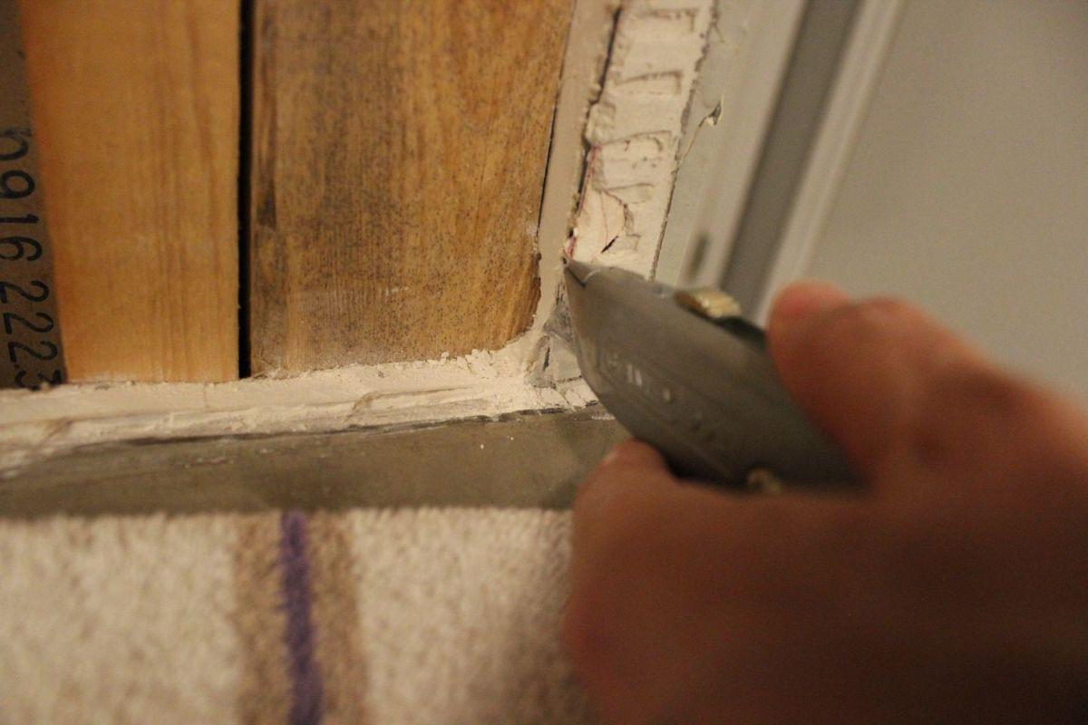 cut the drywall corners clean