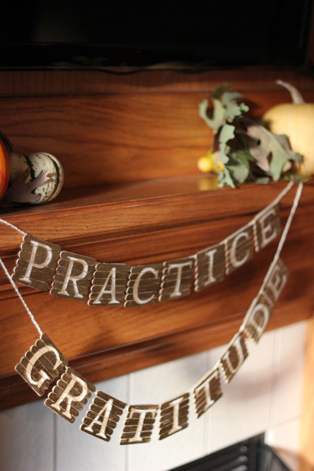 make a popsicle stick garland