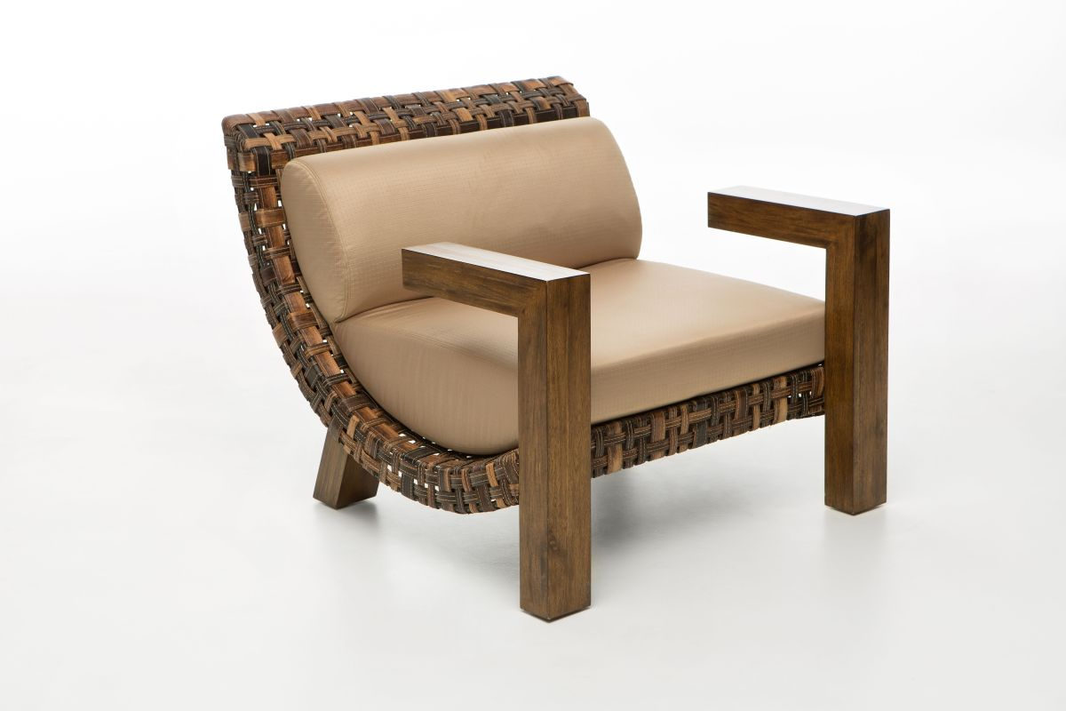 24 G Lounge Chair
