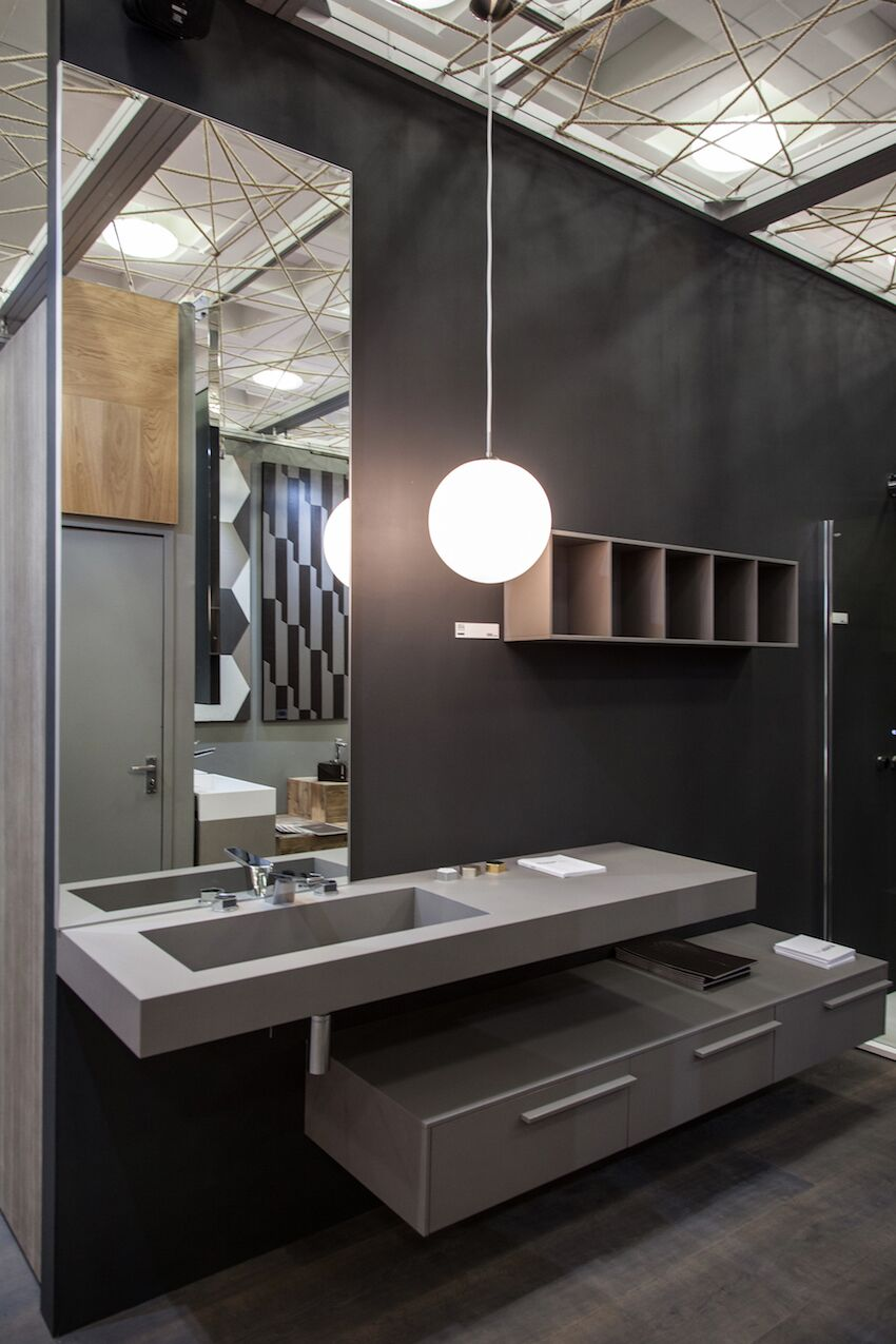 Bathroom featuring a masculine design in grey