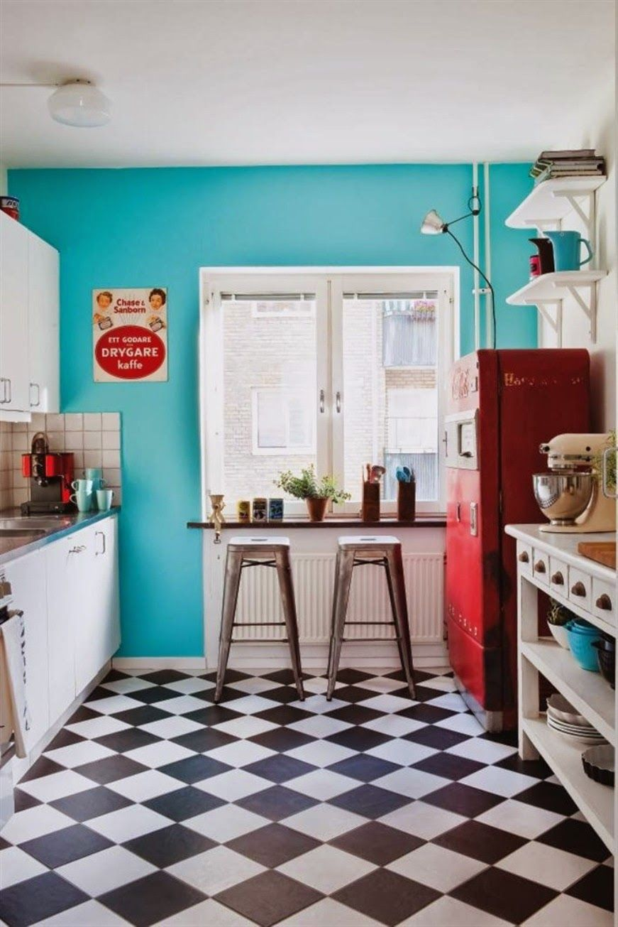 20 Elements To Use When Creating A Retro Kitchen Pictures