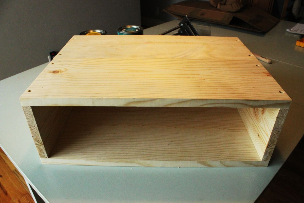 DIY Hairpin Leg Side Table - Attaching bottom