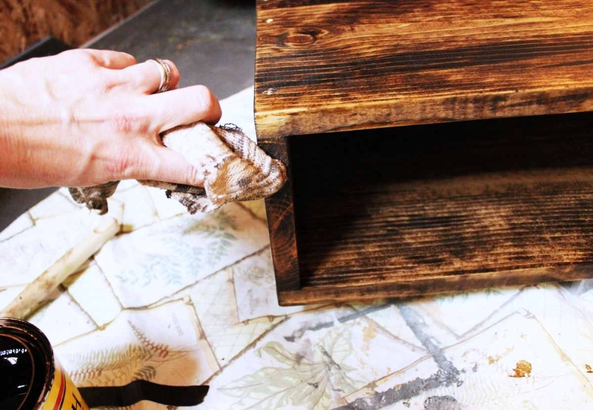 DIY Hairpin Leg Side Table - wipe off