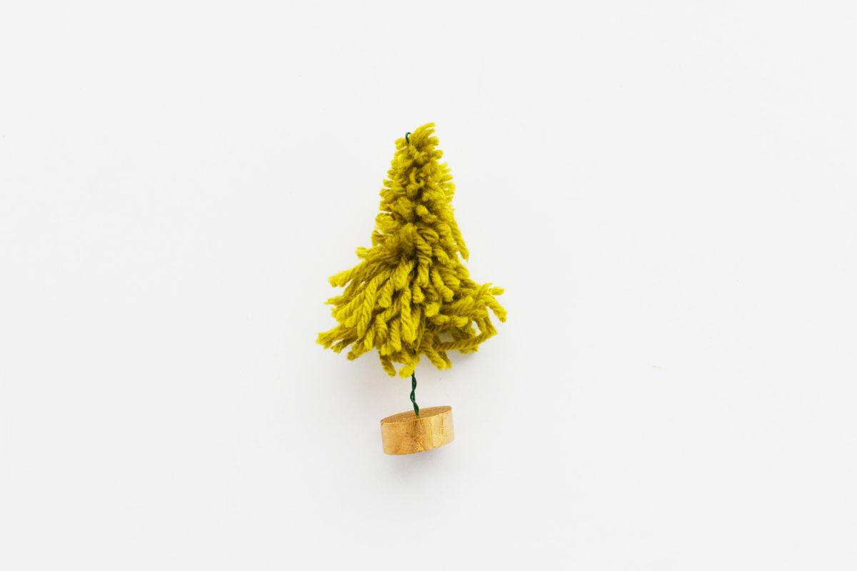 mini yarn christmas trees