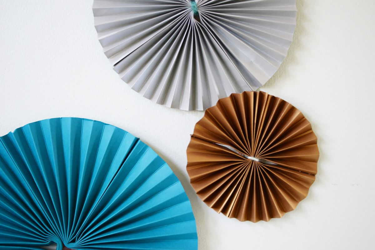 DIY Paper Pinwheels for NYE Closer