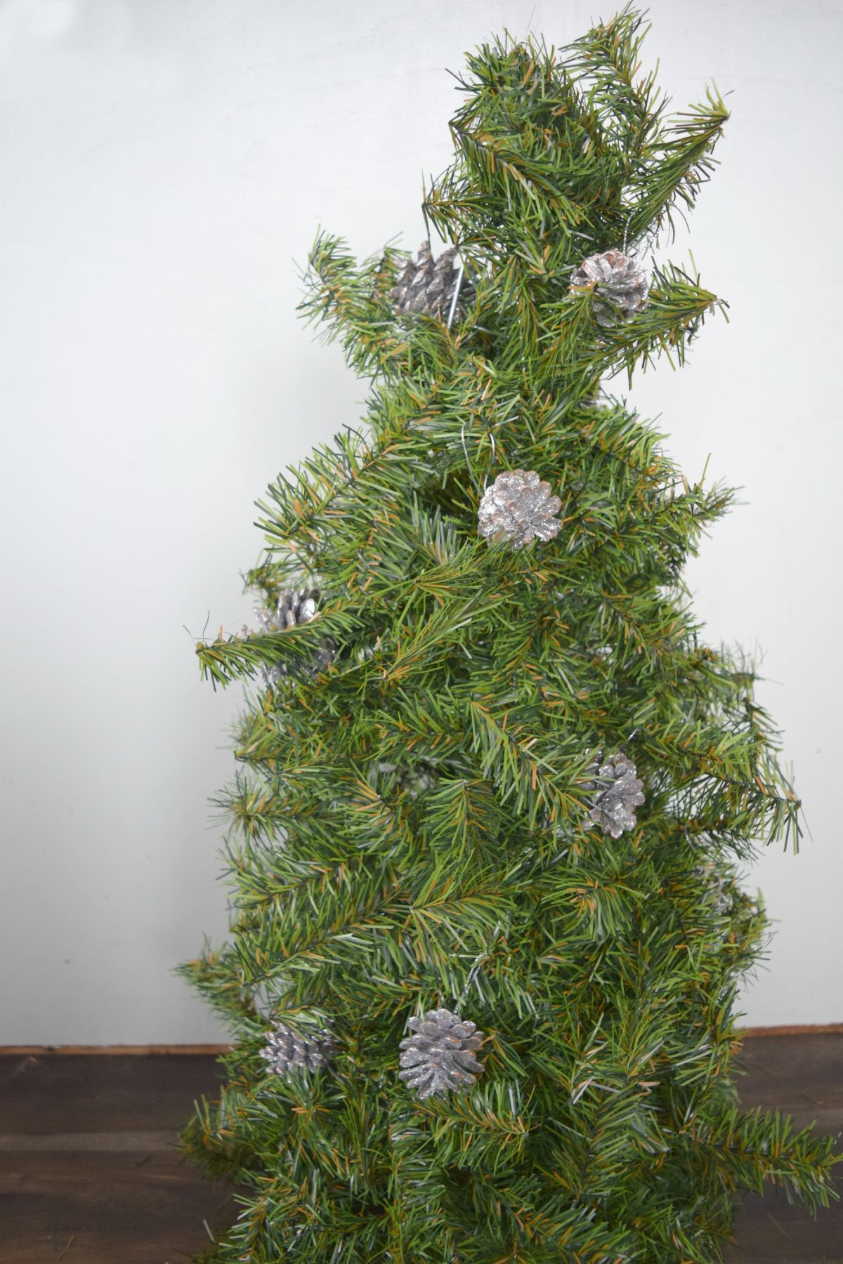 DIY christmas tree with ornaments