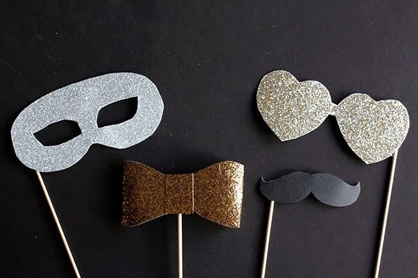 DIY glitter photo booth props