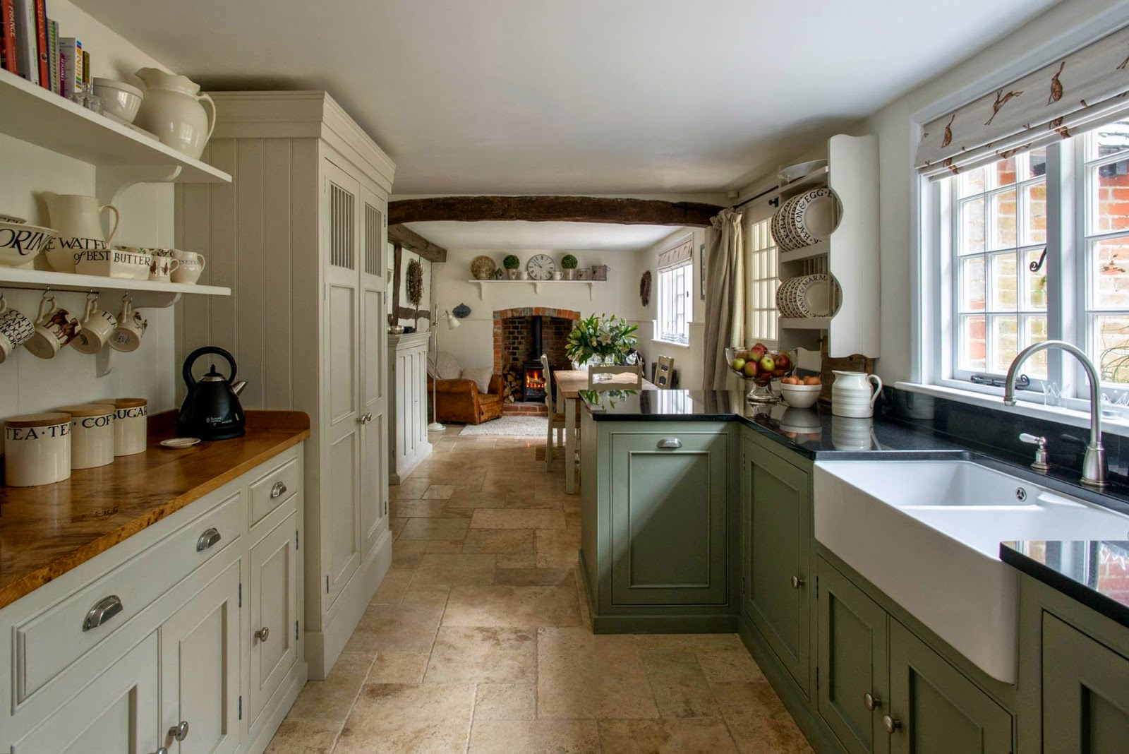 How to blend modern and country styles within your home 39 s for Old country style kitchen