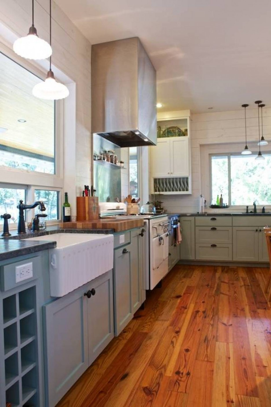 prodigious Country Farmhouse Kitchen Designs Part - 15: Hardwood floor kitchen style