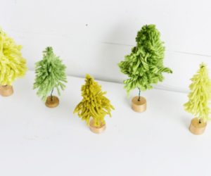 Yarn Crafts for Holidays – DIY Mini Christmas Trees