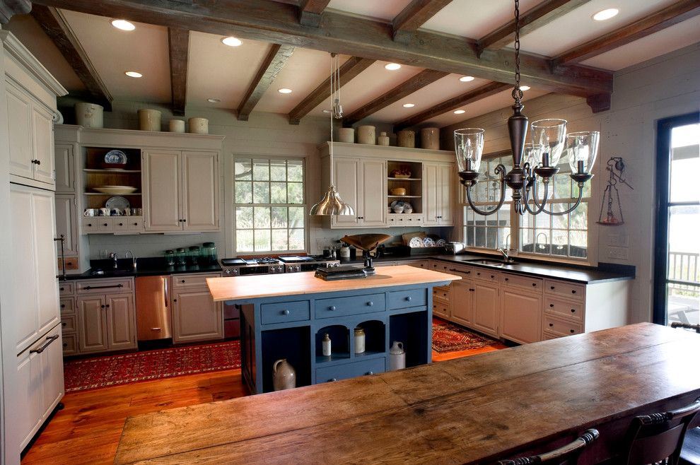 awesome Country Farmhouse Kitchen Designs Part - 9: Islands are practically essential for every kitchen