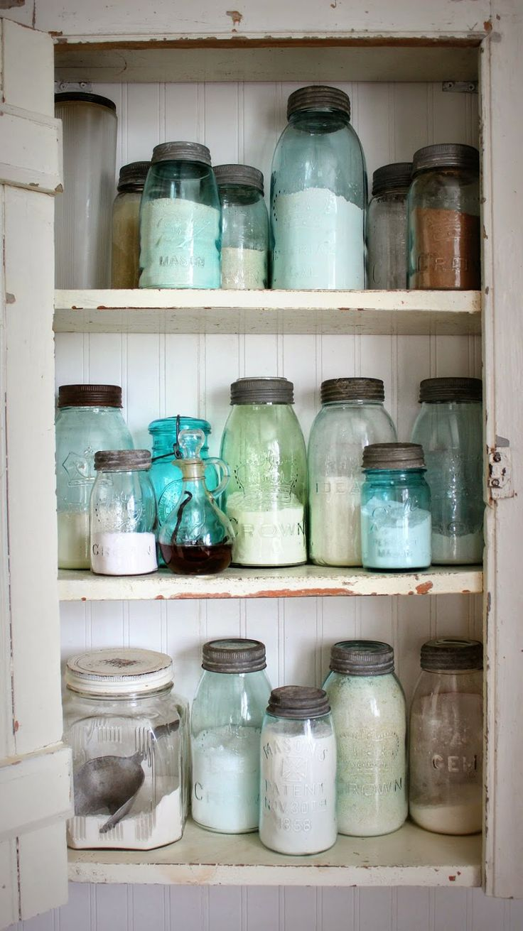 Mason jars add a farmhouse touch to the kitchen