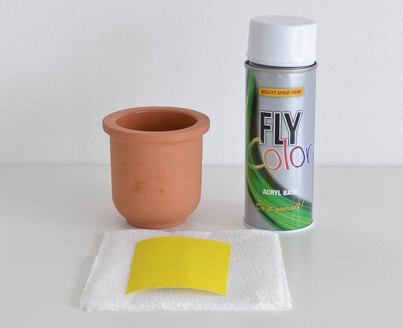Materials for Peeling Paint Effect Vase