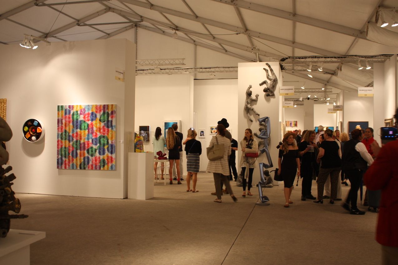 Crowds filled the exhibit halls at all the major fairs in Miami. Homedit took in Design Miami/, Art Basel, Context, Art Miami, Pulse, NADA and the No Commission fair in Wynnwood, hosted by music superstar Swizz Beats.