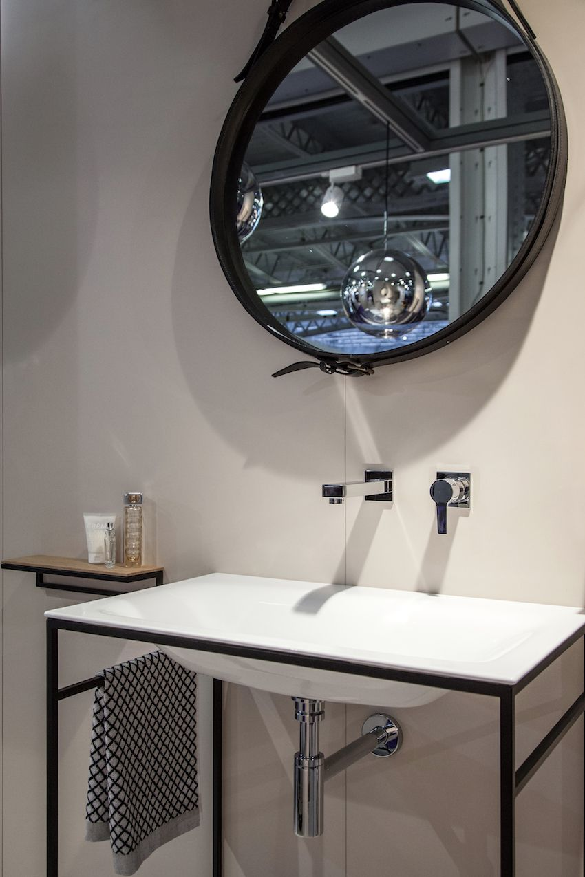 The exposed plumbing is of an appealing design and adds interest to the wash basin installation.