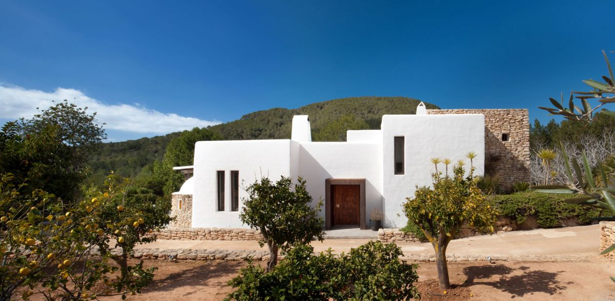 Modern Ibiza home by TG Studio - front view