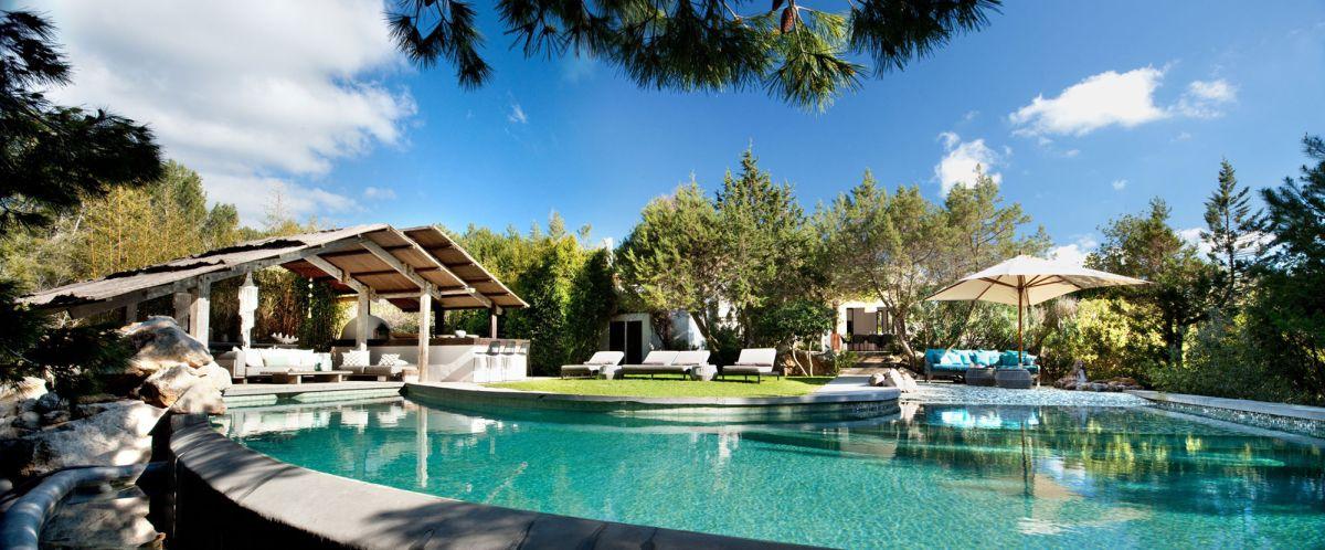 Modern Ibiza home by TG Studio - large swimming pool