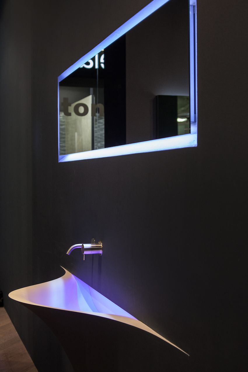 Silenzio by Antonio Lupi is made of Corian and, once encased in the wall, is brushed and plastered to match the wall where it is installed.