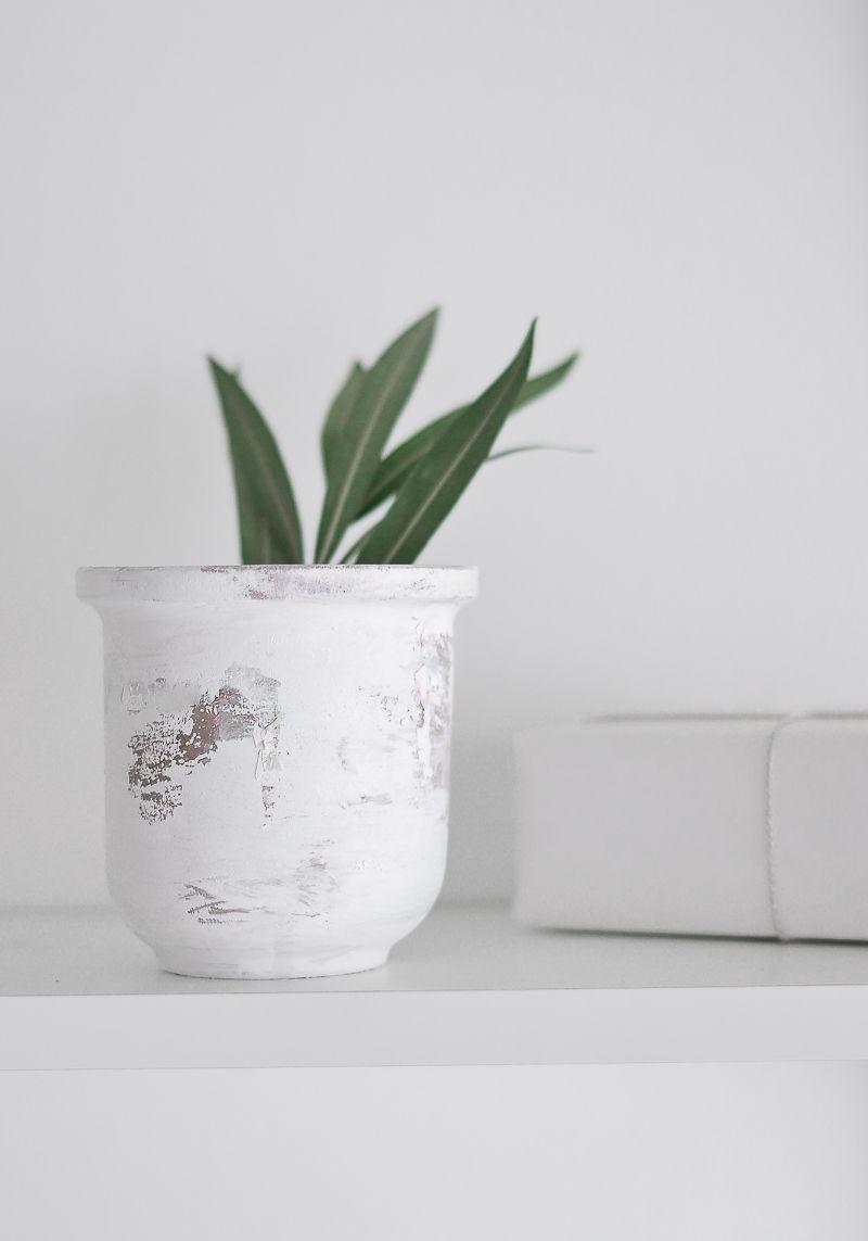 Peeling Paint Effect Vase - Layer of Glaze