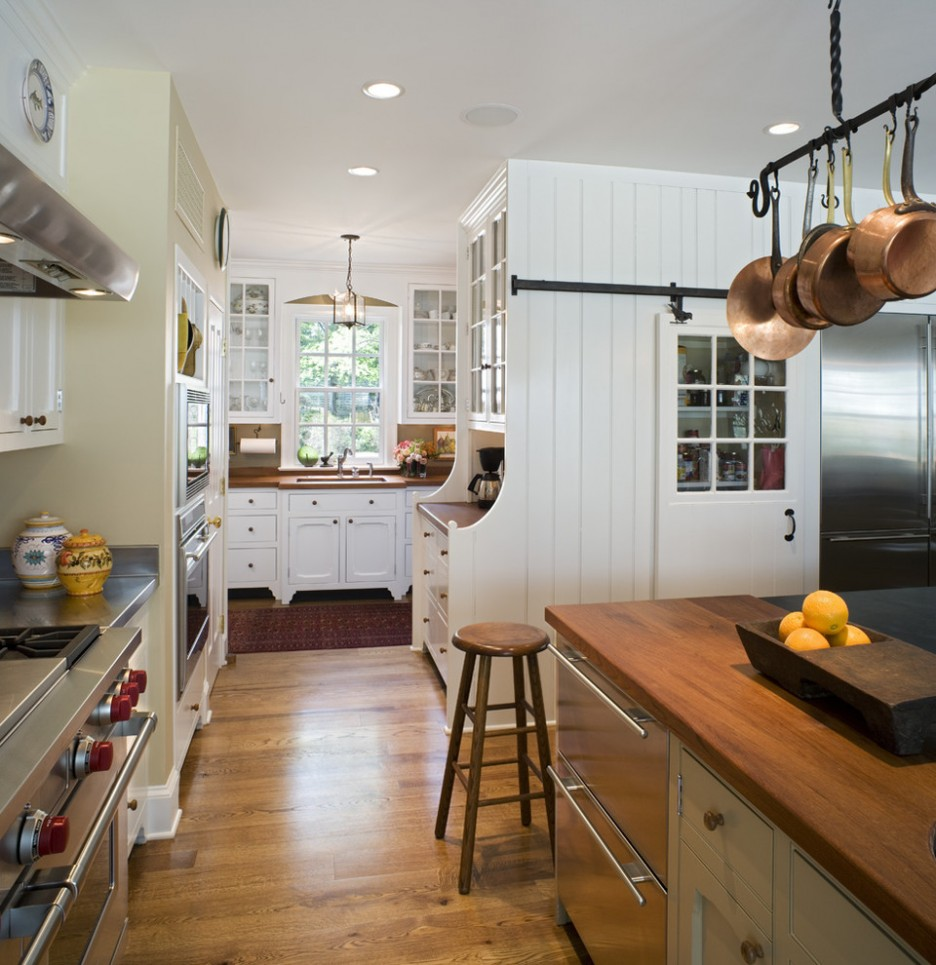 Elements To Utilize When Creating A Farmhouse Kitchen - Farmhouse kitchen ceiling lights