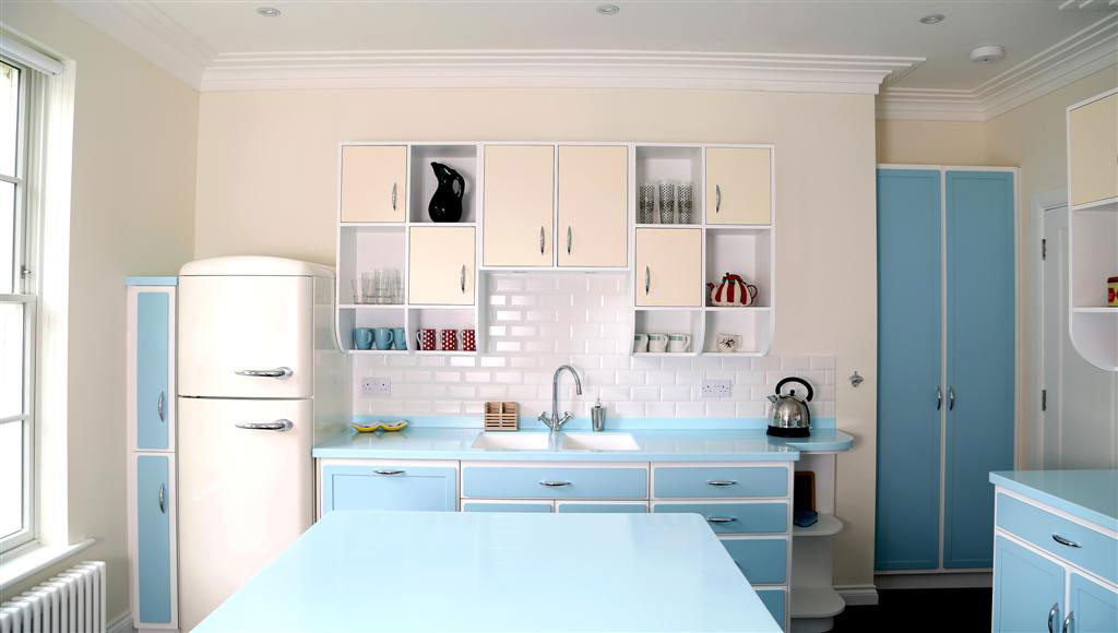 Retro Kitchen With Open Storage