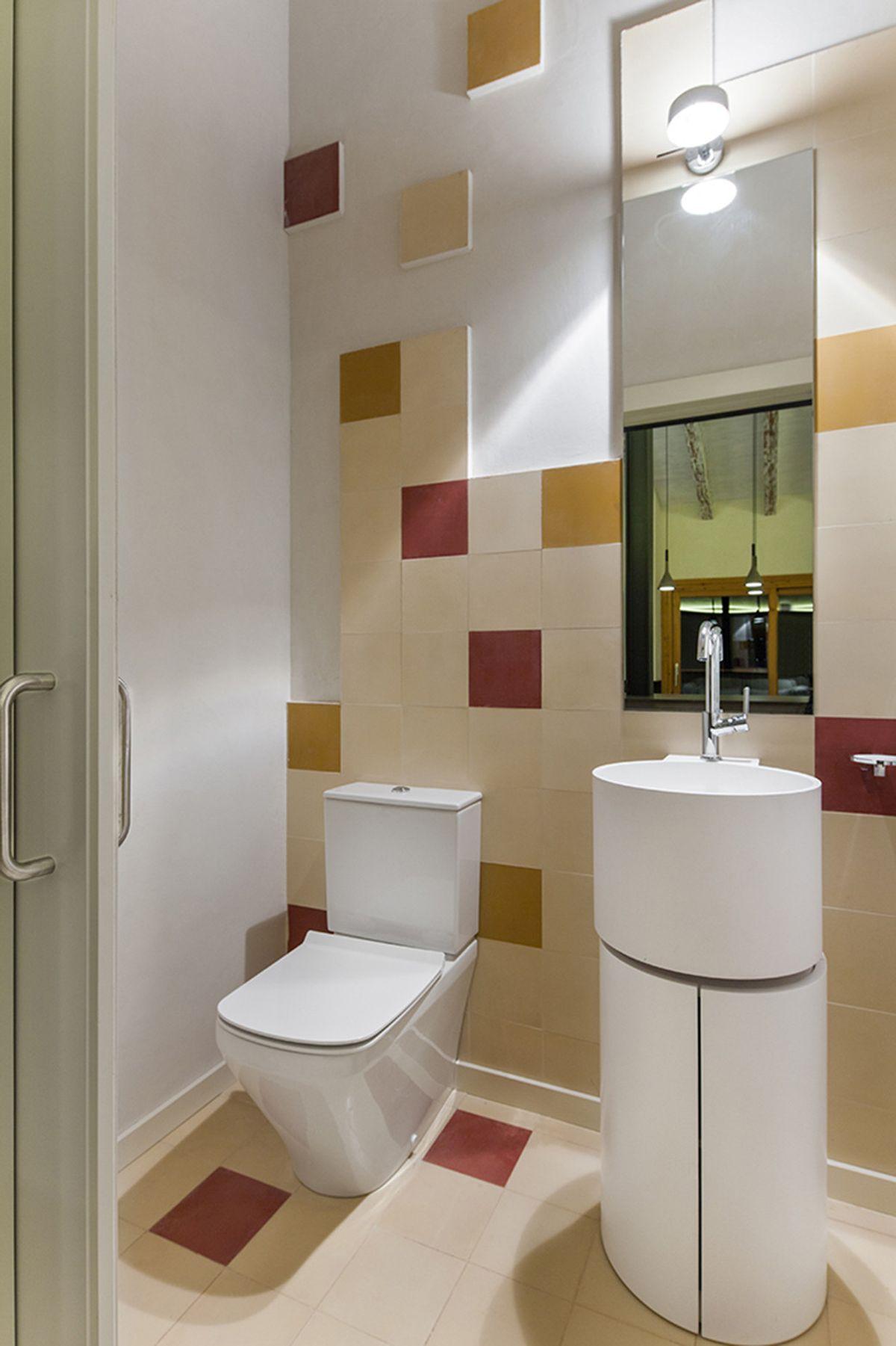 Rustic house gets rehabilitated in Spain - bathroom decor