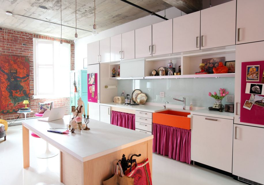 Vermillion Magenta And Pale Blue Kitchen Color