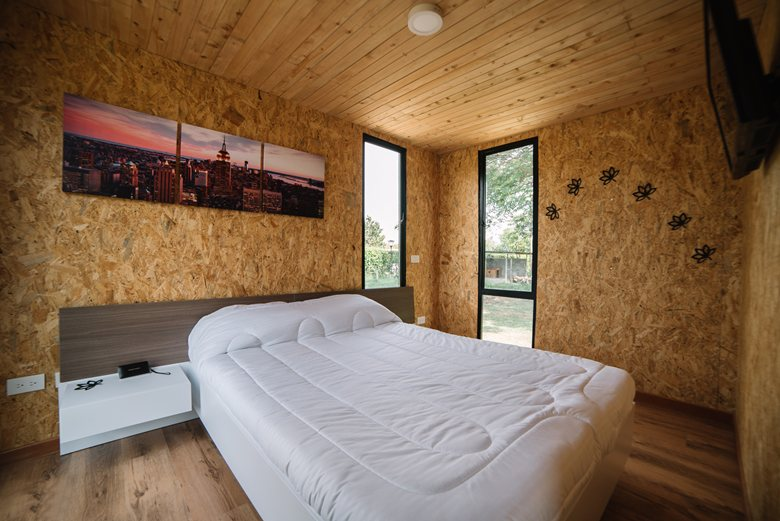 Vimob shelter by Colectivo Creativo bedroom interior