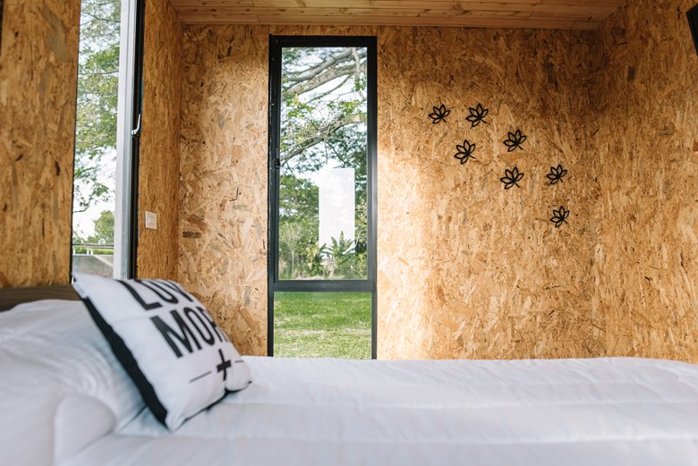 Vimob shelter by Colectivo Creativo bedroom wall decor