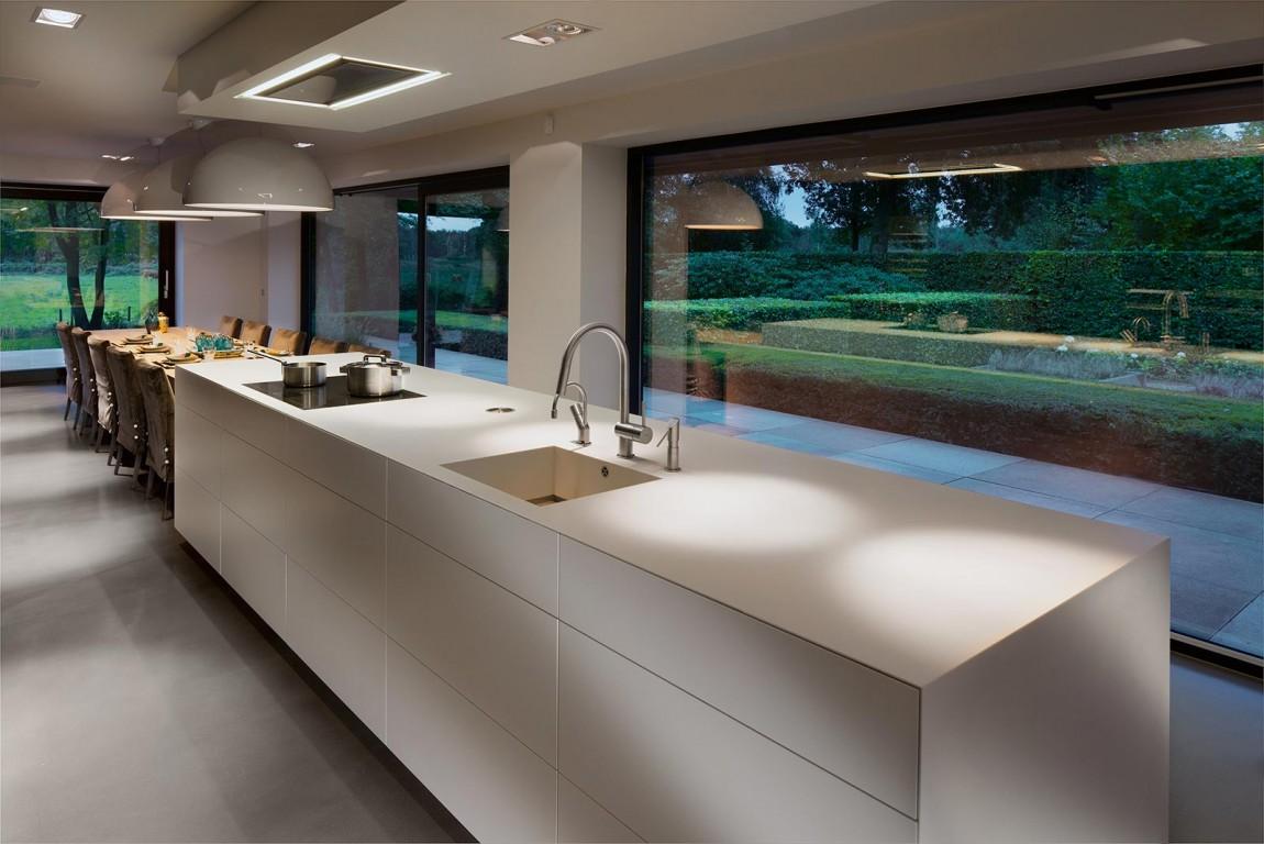 Woonhuis M by WillemsenU Architecten Kitchen Design Long