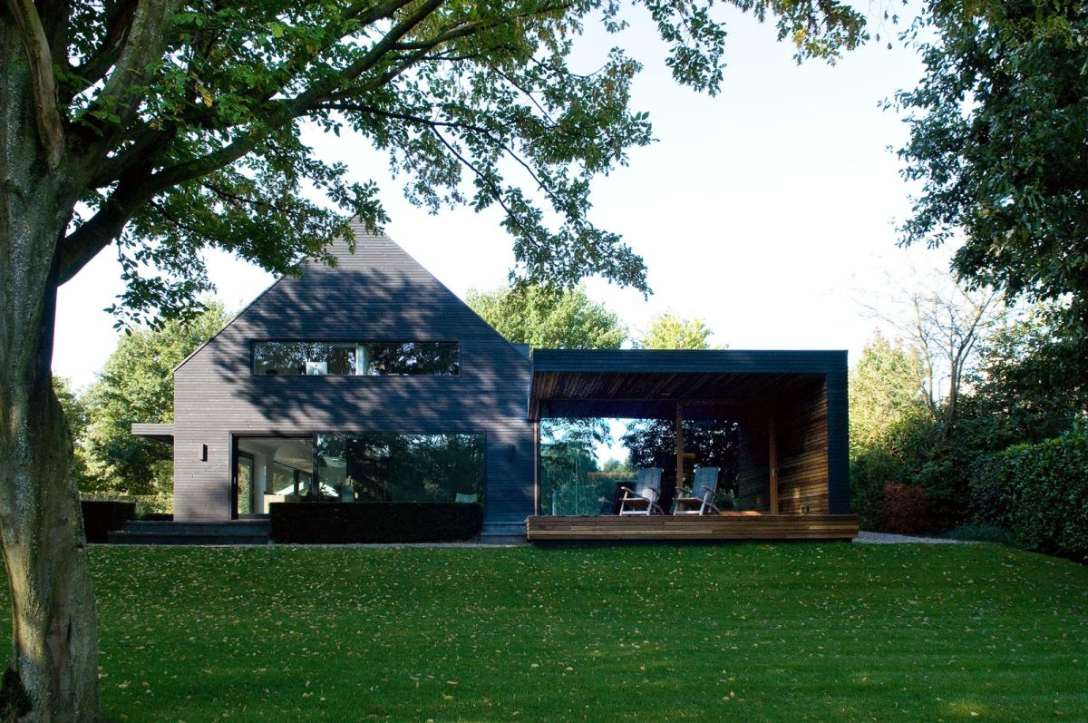 Woonhuis M residence makeover side extension