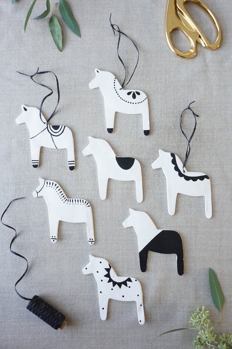 dala-horse-ornaments