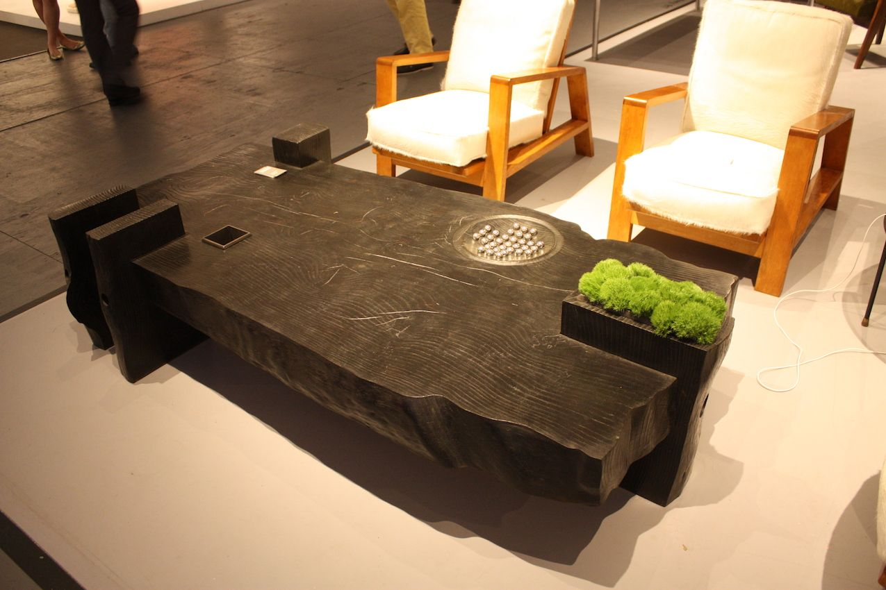 This Sy Table Includes A Planter And Detail For Interest