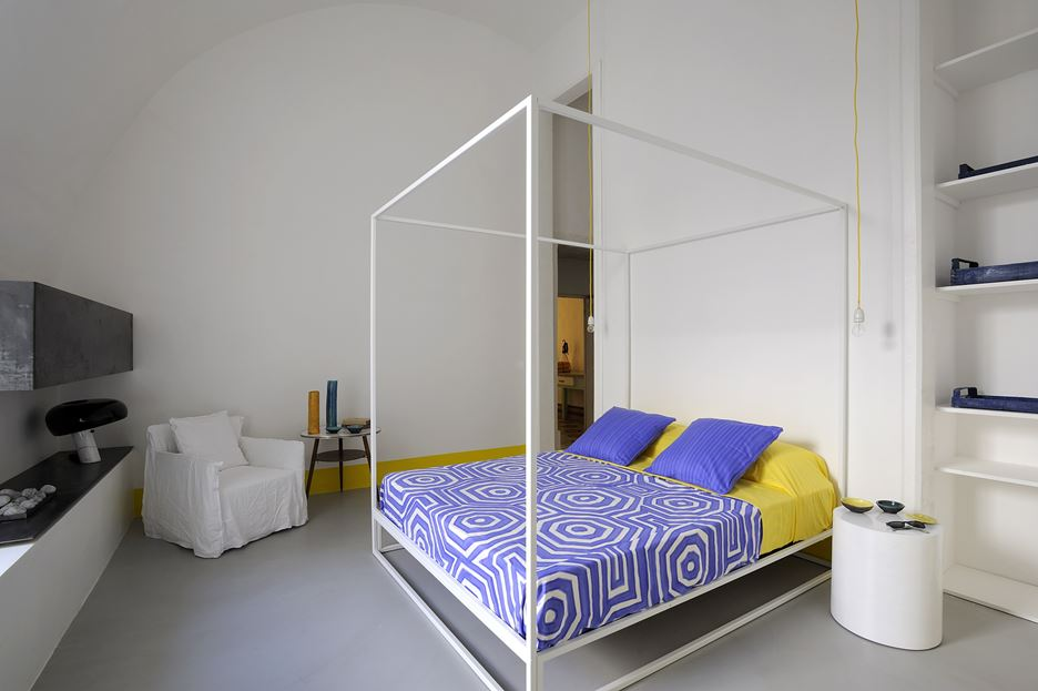 Beautiful teenager capri bedroom