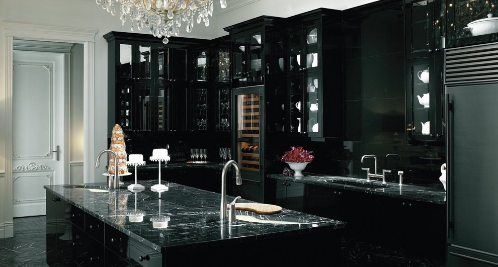 Black and Victorian kitchen