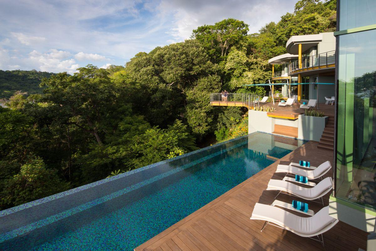 Casa Magayon in Costa Rica Infinity pool