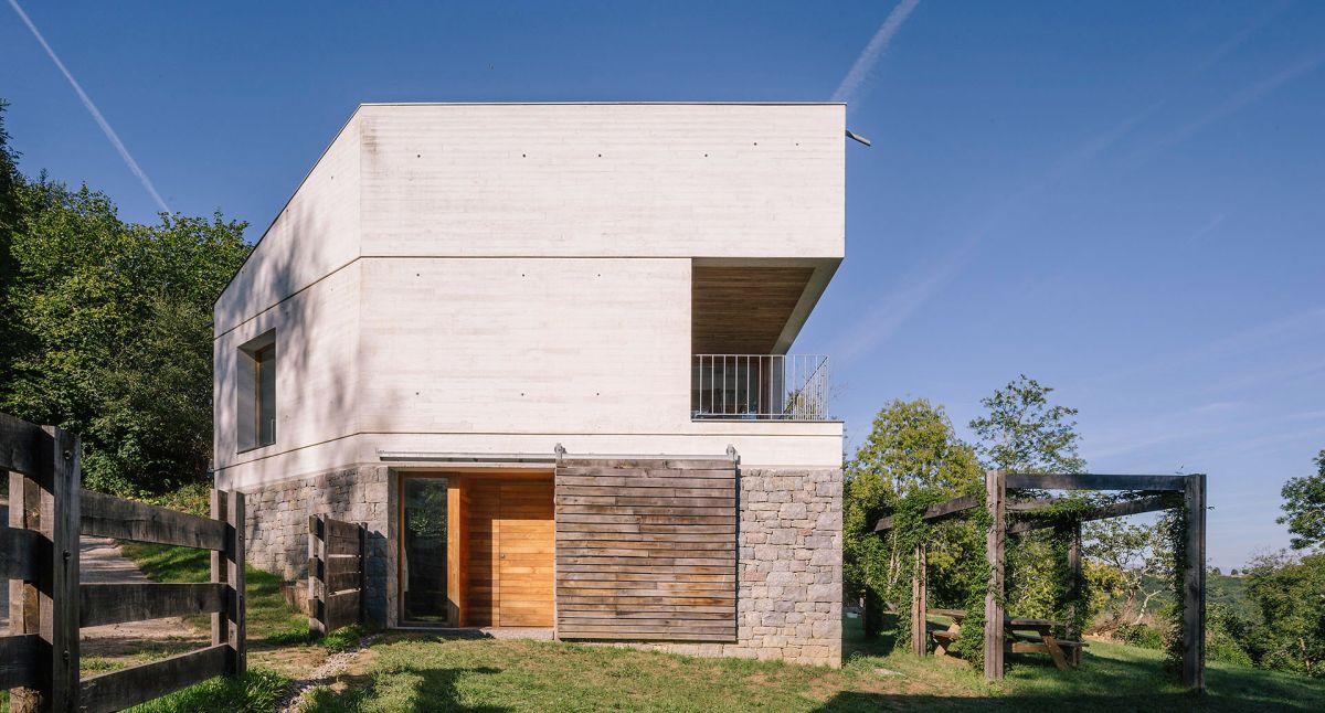 Casa TMOLO conversion front facade