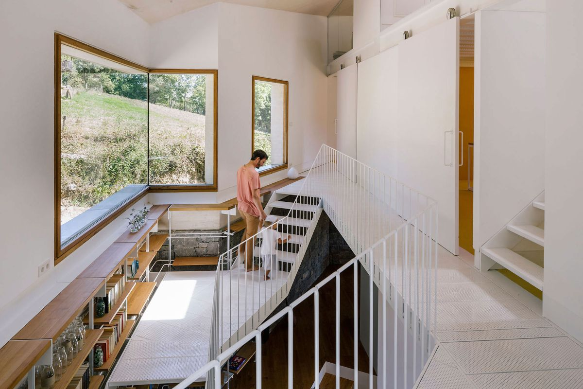 Casa TMOLO conversion staircase views
