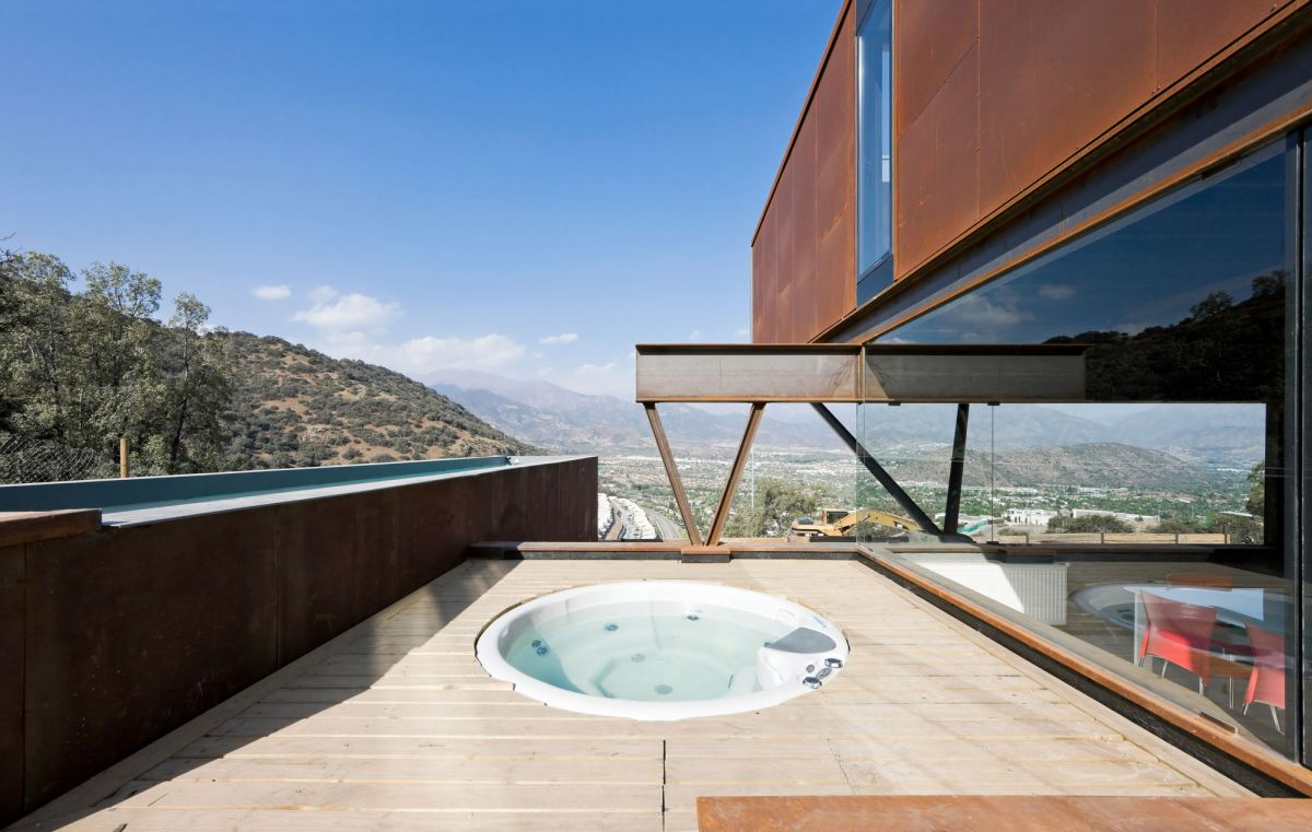 Catterpillar House in the Andes Jacuzzi deck