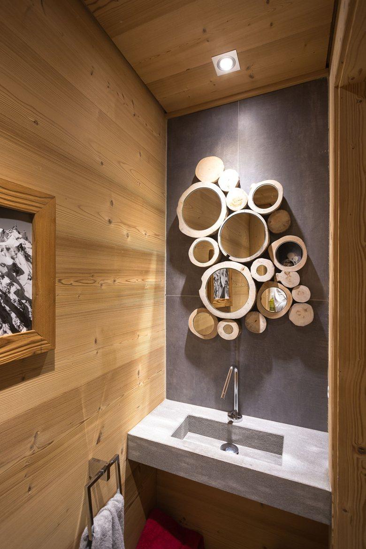 Chalet SOLEYÂ in France bathroom round wall decor